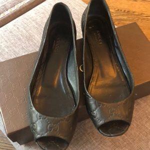 Gucci Shoes - Gucci peep toe Flats